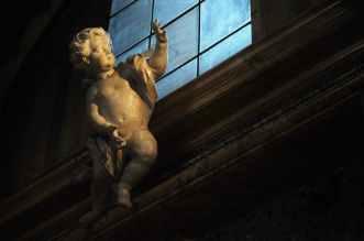 statue church amor cupid